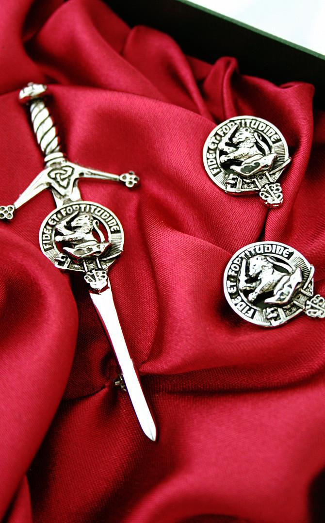 Clan Crest Kilt Accessory Gift Set | CLAN by Scotweb