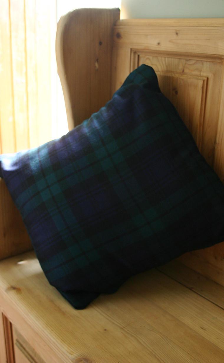 pmgev-sr_pmgev_square_cushion_covers_2_1