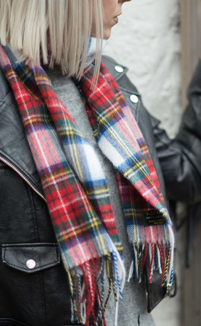 scotweb-ladies-classic-soft-wool-tartan-scarf-stewart_dress_tartan-