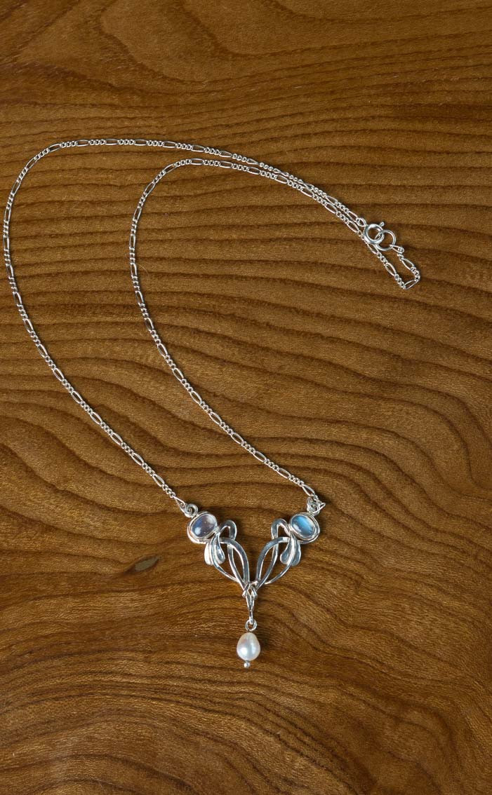 scotweb-pd262-silver-moonstone-detail