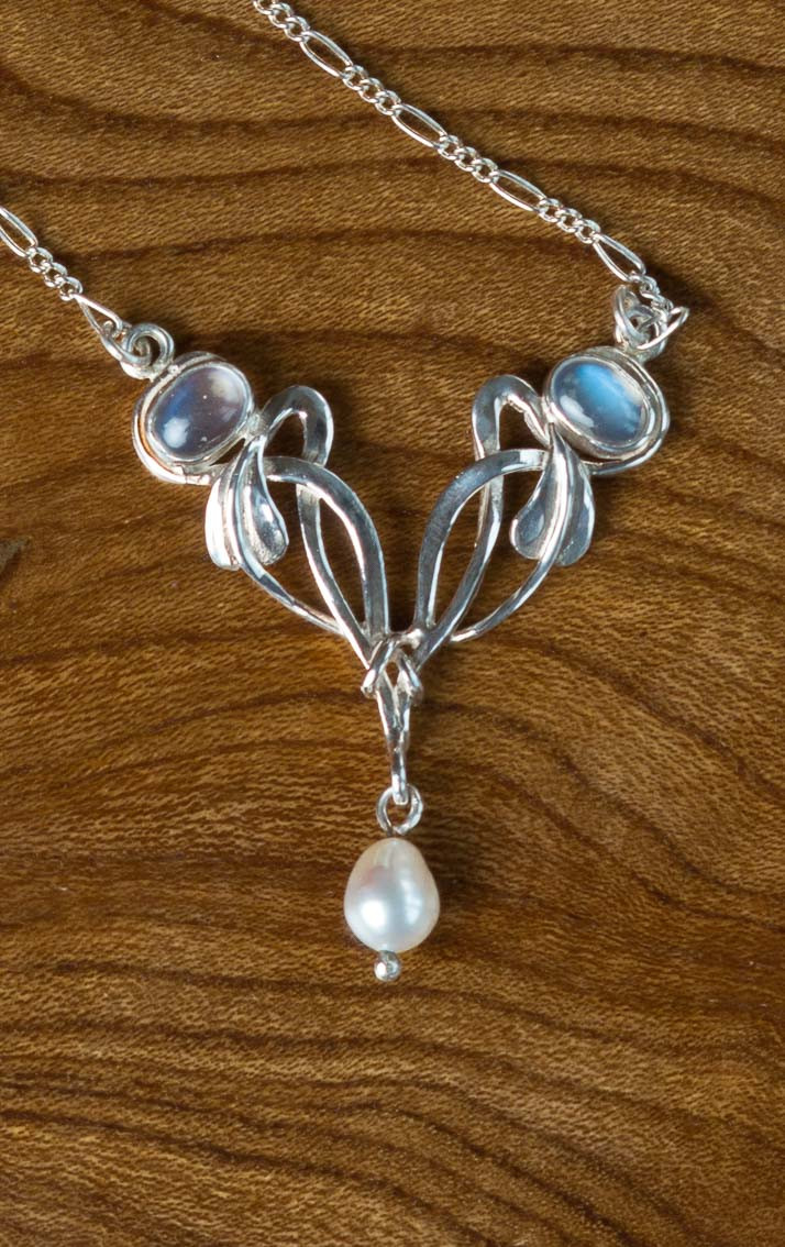 scotweb-pd262-silver-moonstone-front