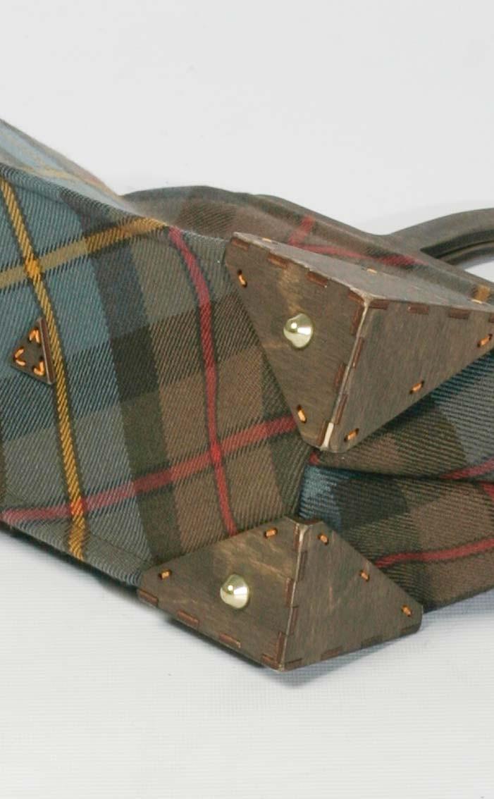 scotweb-wood-framed-handbag-macleod-of-harris-reproduction-rear-2