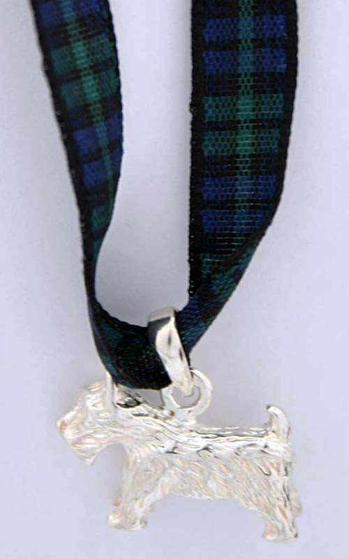 Colour: Black Watch Tartan