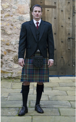 Classic Tweed Day Kilt Outfit