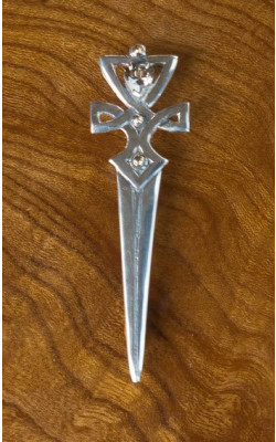Scottish Quartz Celtic Knot Kilt Pin