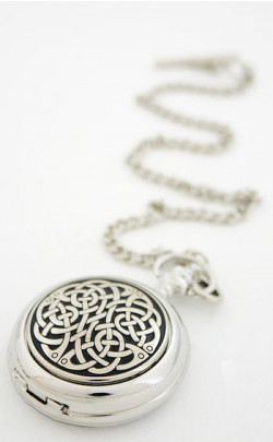 Neverending Knot Pocket Watch