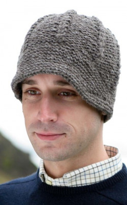 Gents Hand‑Knitted Luxury Aran Peaked Cap