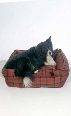 Tartan Shaped Lounger for Dogs