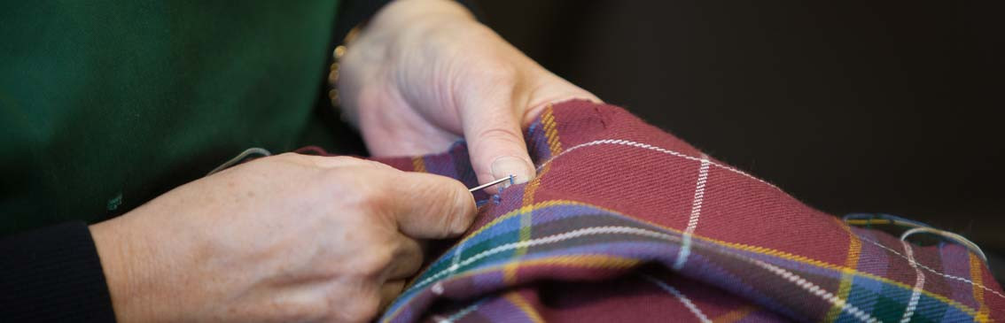 Weaving tartan: inspection and hand-darning